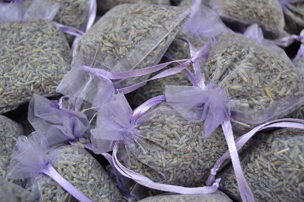 Dried lavender in bags